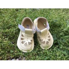 Baby bare shoes IO - summer perforation Canary